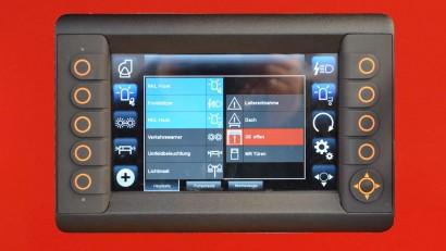 Display-mit-seitlichen-Tasten-zu-bedienen.jpg