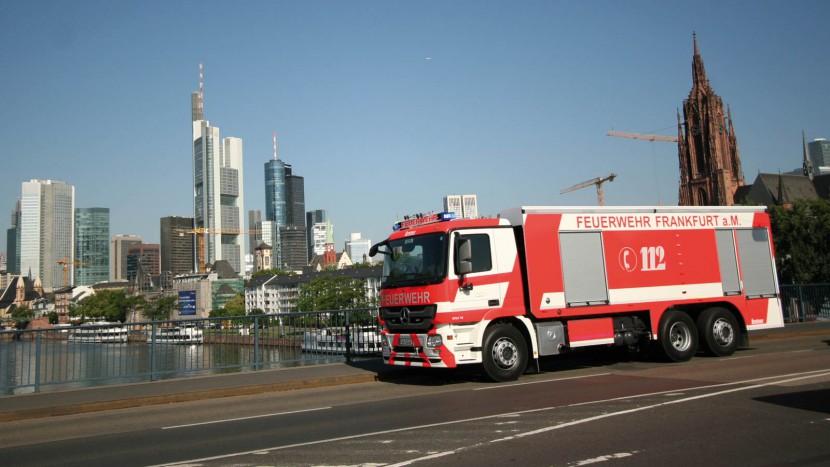 GTLF-der-Feuerwehr-Frankfurt-am-Main-von-Lentner.jpg