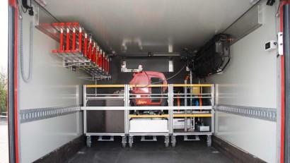 Geraetewagen-Logistik-Ladeflaeche-mit-Rollcontainern.jpg