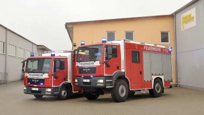 HLF 10 Straßenantrieb und HLF 10 Allrad der Feuerwehr Köln