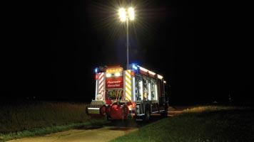 Lentner-Fahrzeug bei Nacht