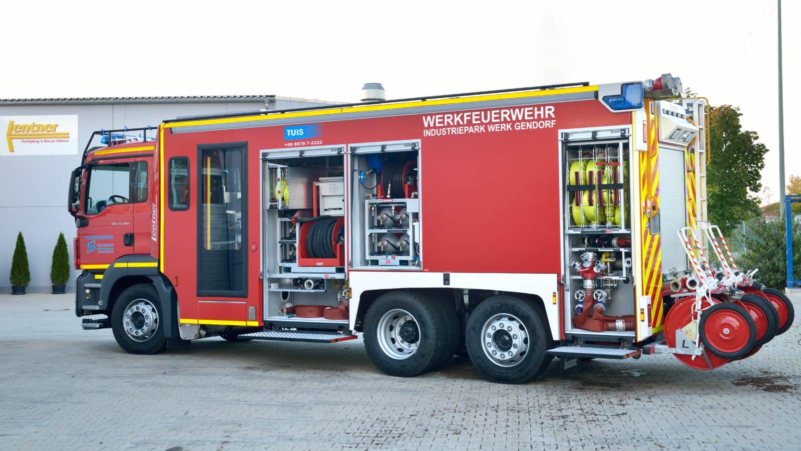 PTLFA-Pulver-Tankloeschfahrzeug.jpg