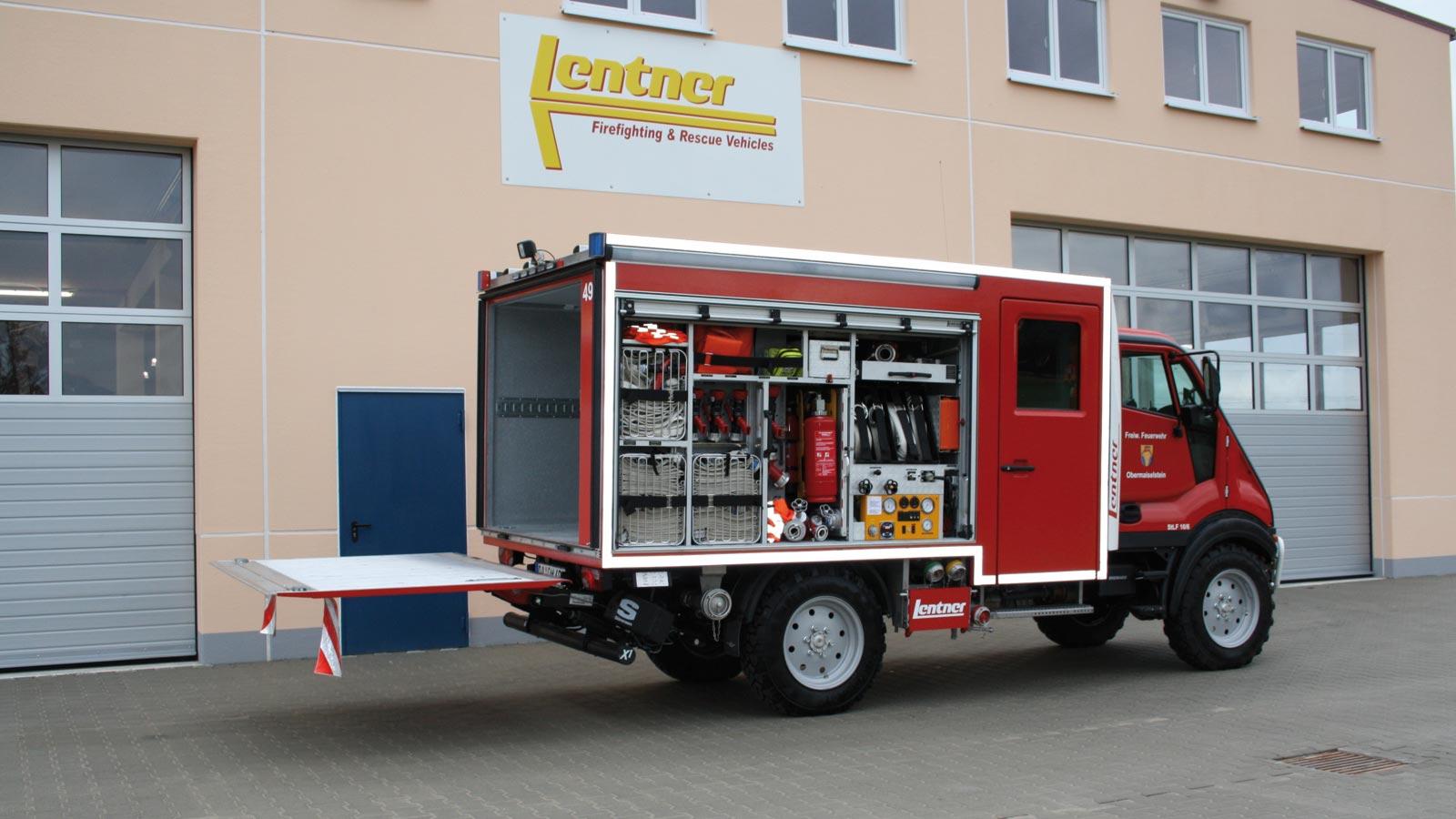 StLF-auf-Bremach-Fahrgestell-mit-Ladebordwand-fuers-Gebirge.jpg
