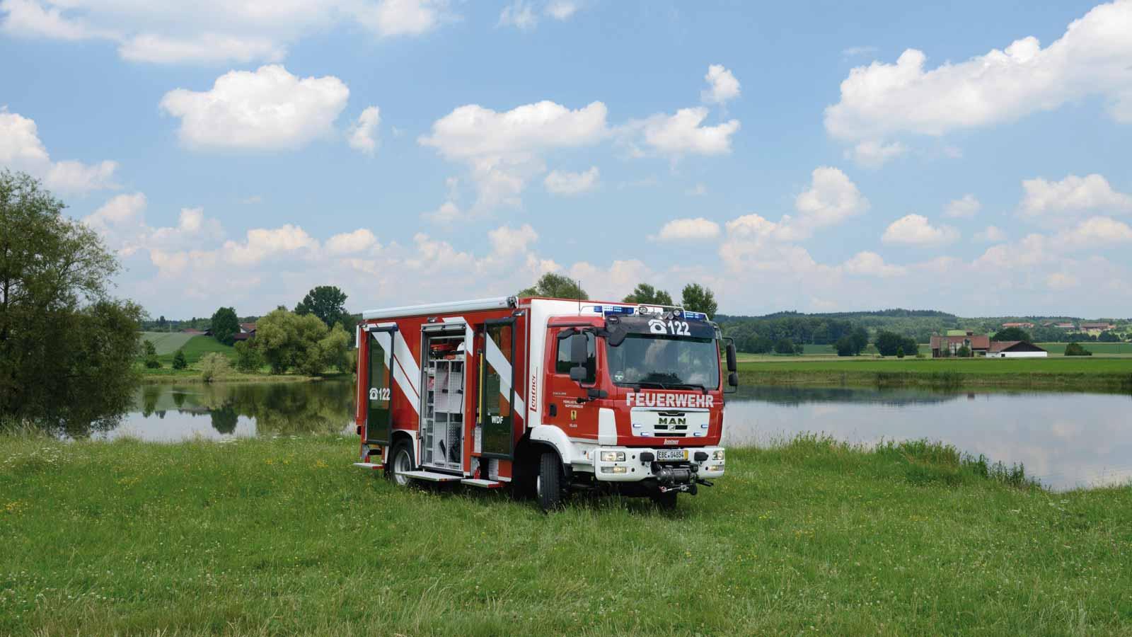 Wasserdienstfahrzeug-der-Feuerwehr-Villach.jpg
