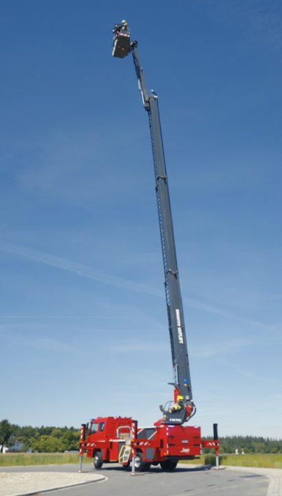 bronto-skylift-lentner-f32tlk-84-grad-aufricht-winkel.jpg