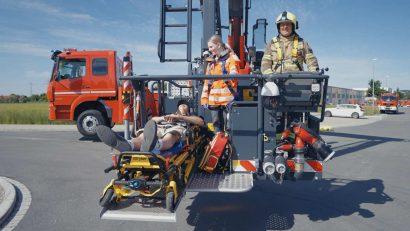 bronto-skylift-lentner-f32tlk-rettungsfahrtrage.jpg
